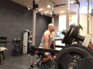 筋肉好きがワークアウトを行う時にタンクトップを着ているのは決してナルシストだからではないと思う件